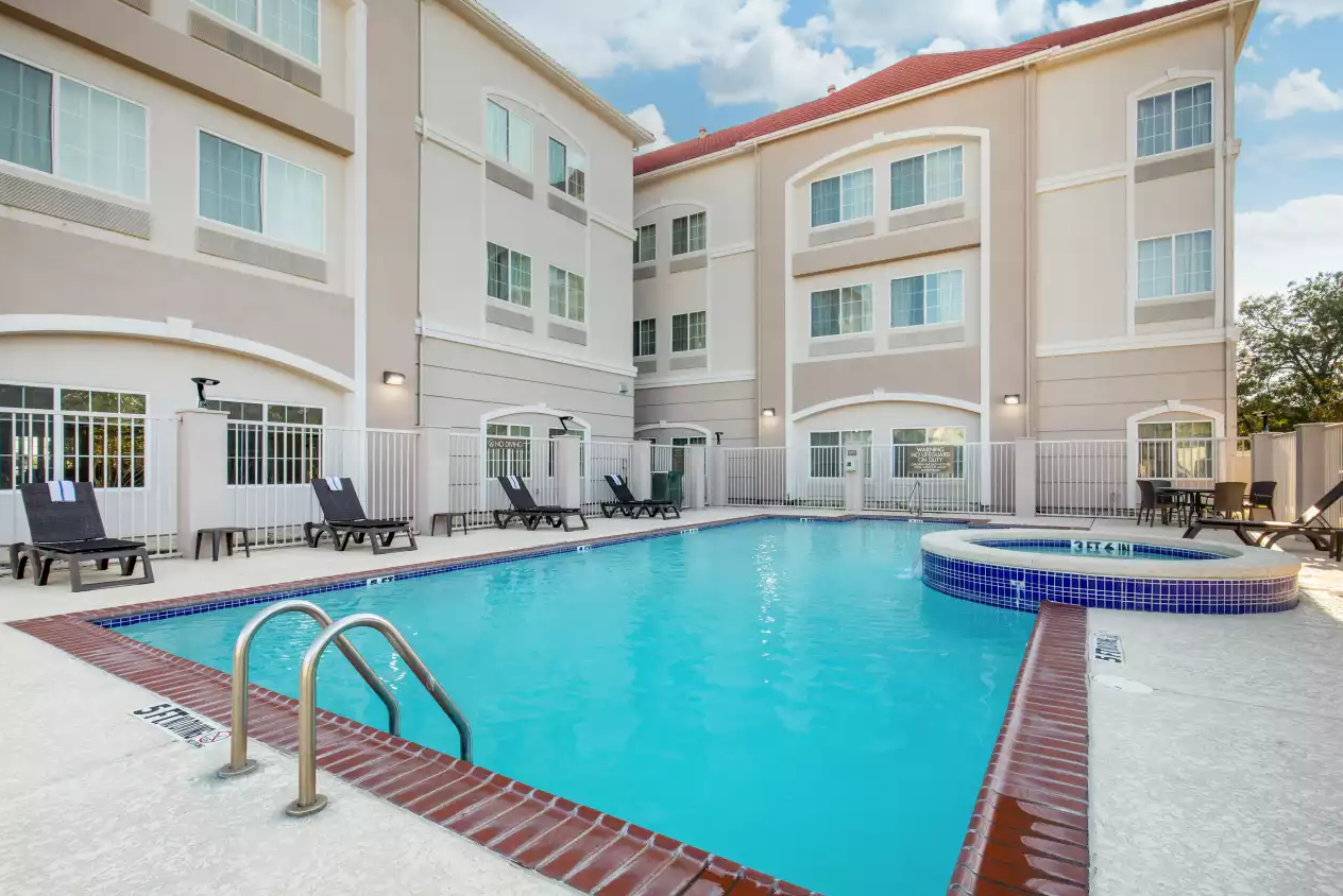 Comfort Inn and Suites Pool